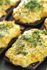 Karstmaizes ar sieru un burkāniem