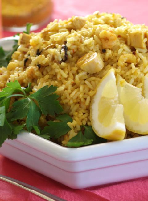 Spāņu zvejnieku ēdiens Paella latviešu variācijās